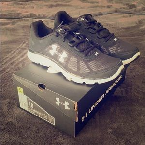 Men's Under Armour running shoes
